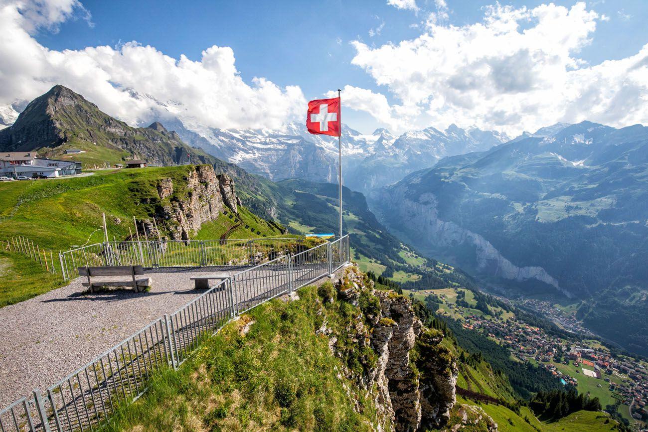 Швейцарська компанія з фінансовою та криптовалютною ліцензією на продаж